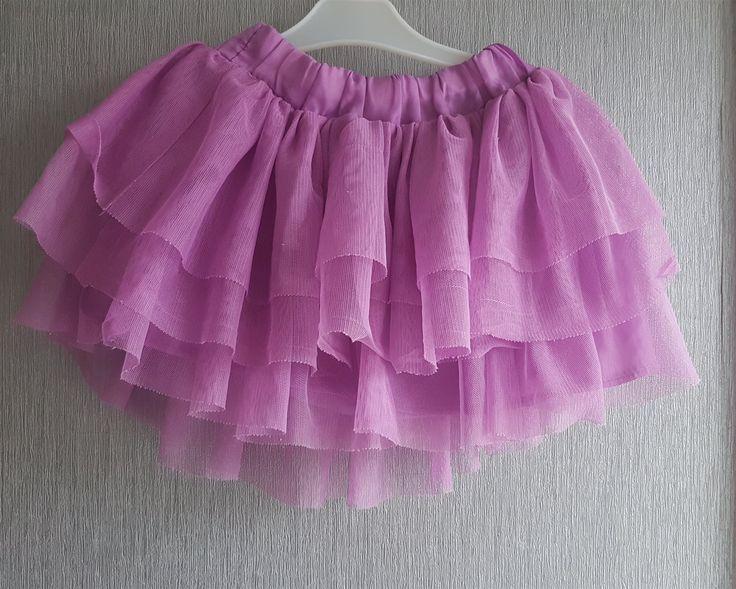 Annons på Tradera: Jättesöt kjol stl 92 i begagnat skick.Något tvättpåverkad.Fri frakt!