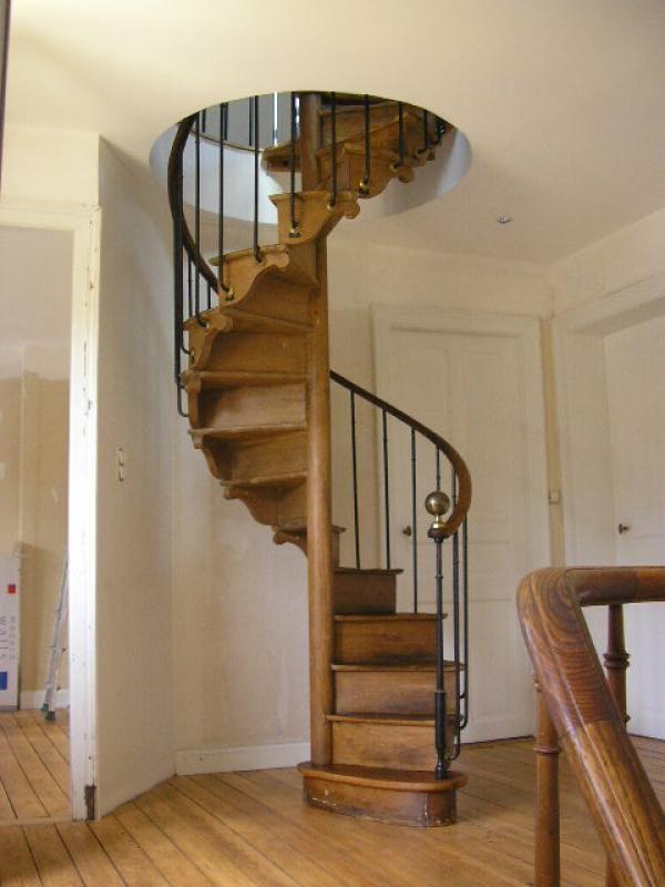 Les 25 meilleures id es concernant escalier colima on sur - Escalier interieur castorama ...