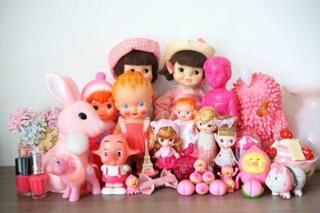 *vintage plastic toys. Pink