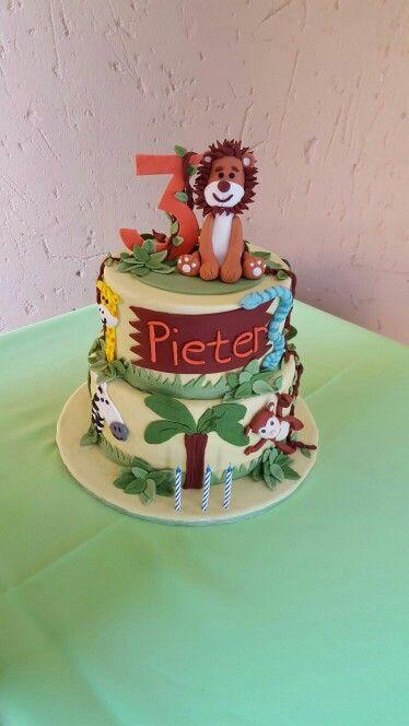 Jungle birthday cake - bar one flavour