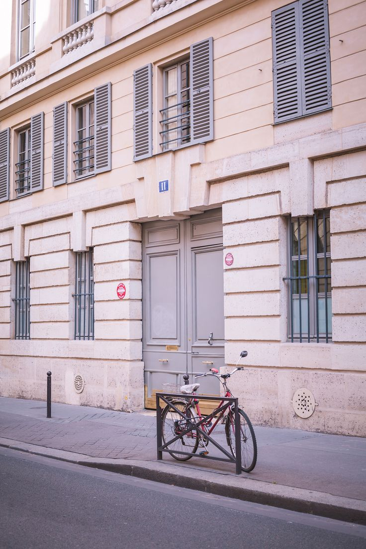 Portrait Photography in Paris | Chic Lightroom Presets