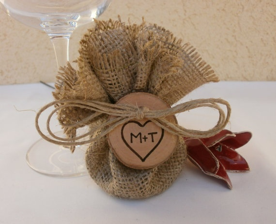 Super cute burlap wedding party favors