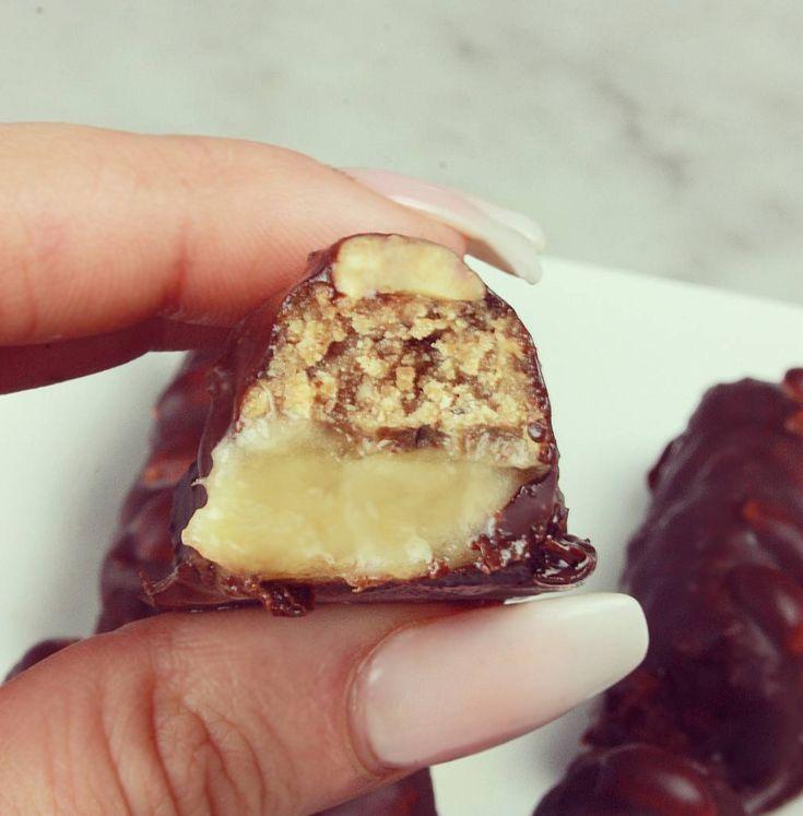 Snickers Bars Hälsobitar - Tips mot sötsug  #banan #choklad #hälsobitar #jordnötssmör #kokosolja #recept #sötsug #Bli #av #med #snickersbars #healthy #snickers #vegan