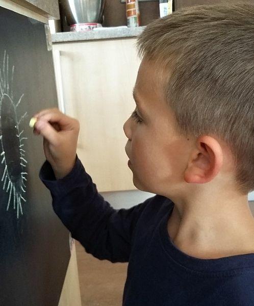 Nalepovací fólie jako tabule na kreslení