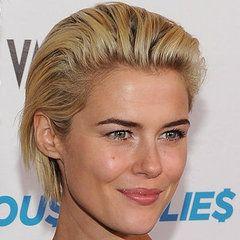 short slicked back hairstyle for women | http://media3.onsugar.com/files/2012/01 ... k-Hair.jpg