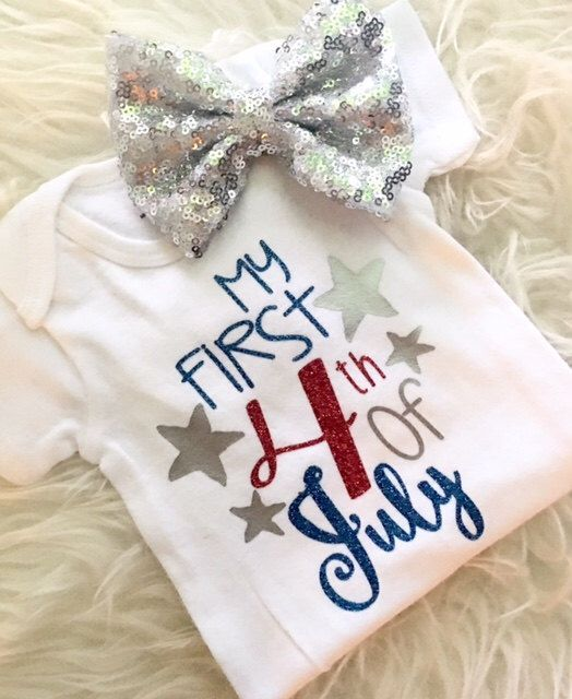 What a cute 4th of July onesie!