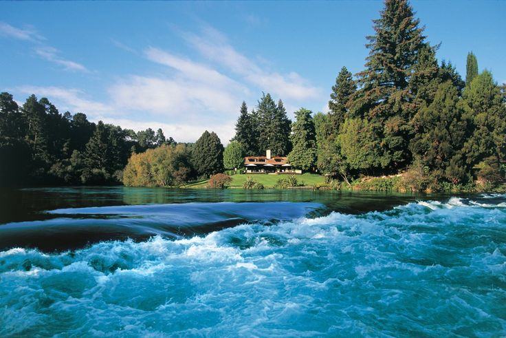New Zealand is a striking island country filled with exoticas and natural wonders. It is divided into two parts, North Island and South Island. With unique attractions like geysers, ravishing lakes, rivers and beautiful mountains, New Zealand is surely a country worth visiting for a great holiday.  If you love pristine beaches, crystal clear water and exotic cultures, then you should definitely grab one of the available Fiji holiday packages and have the experience of a lifetime.