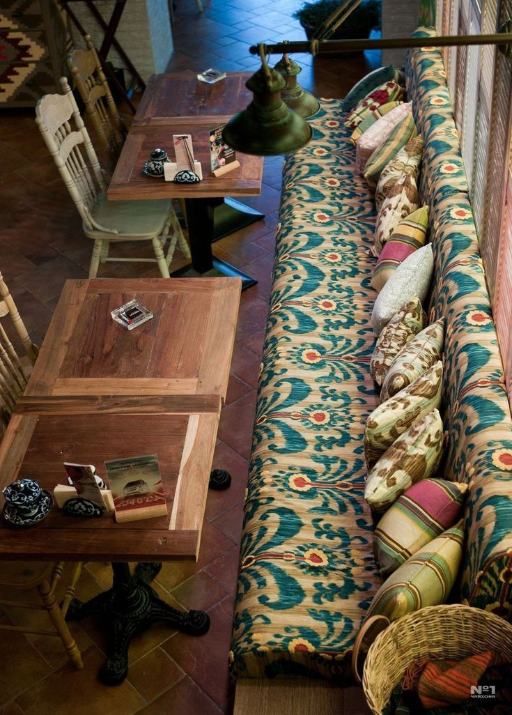 Meubles Mexicains Peints Rustiques En 2020 Appartement Rustique Restaurant Rustique Et Decoration Bistrot