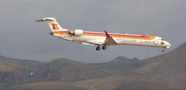 Canary Islands Spotting....Spotter: EC-JYV Canadair CRJ-900ER Air Nostrum LPA/GCLP Spo...
