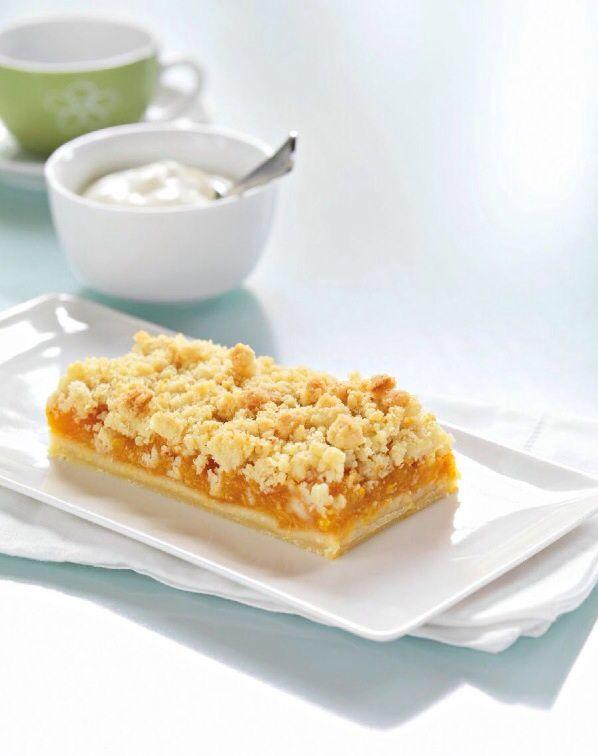 Drobenkový meruňkový koláč
