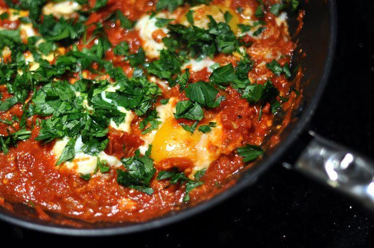 Shakshuka Gebakken Eieren in Paprika-tomatensaus