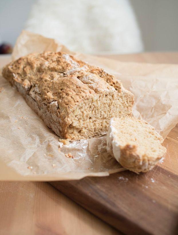 Malzbierbrot ohne Hefe ist das einfachste Brot, was ich kenne. Es gelingt immer, ob mit oder ohne Tupper Ultra Pro Topf. Hauptsache man hat ne Backform!