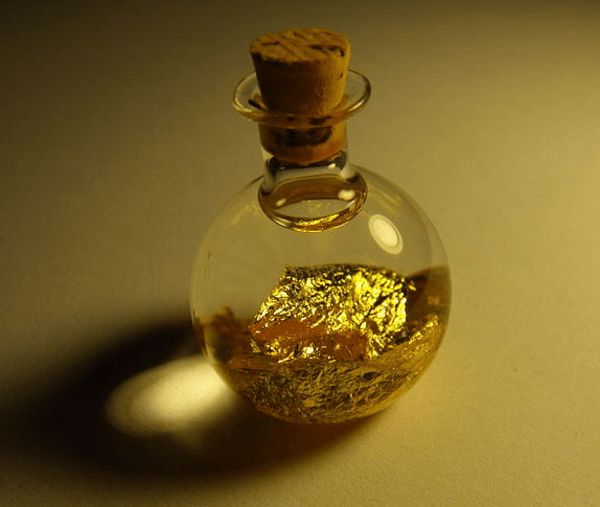 Scientists accidentally discover a new way to isolate gold that is much safer than existing processes, which use toxic cyanide.