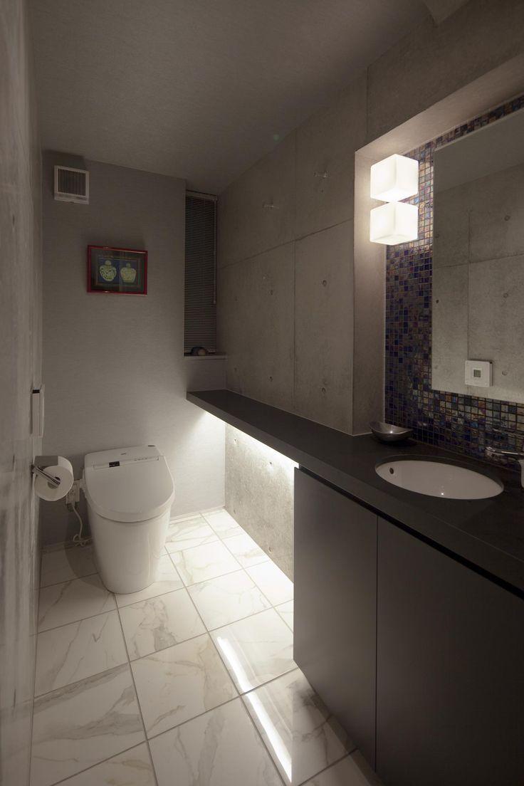 専門家:U建築設計室が手掛けた、トイレ(松原の家)の詳細ページ。新築戸建、リフォーム、リノベーションの事例多数、SUVACO(スバコ)