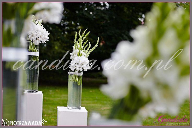 dekoracje ślubu w plenerze