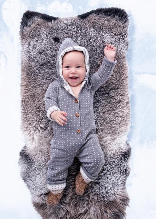 Ulla dotted babysuit <3 Copyright Mole - Little Norway   Photo Geir Øyvind Gismervik
