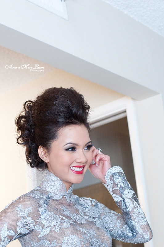 Grey lace ao dai wedding dress is pretty but i love the hair!!!!!