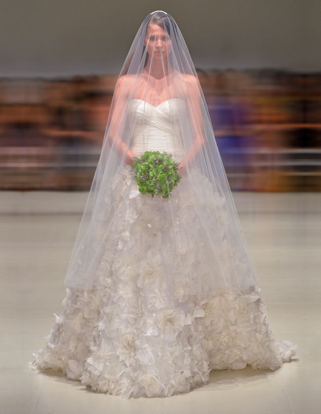 Roma Haute Couture - Peter Langner. #PeterLangner @peterlangner  #weddingdress #hautecouture #fashionshow #fashion #look #style #wedding #bride #ideas