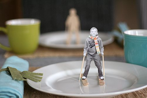 fun place settings for the holiday table
