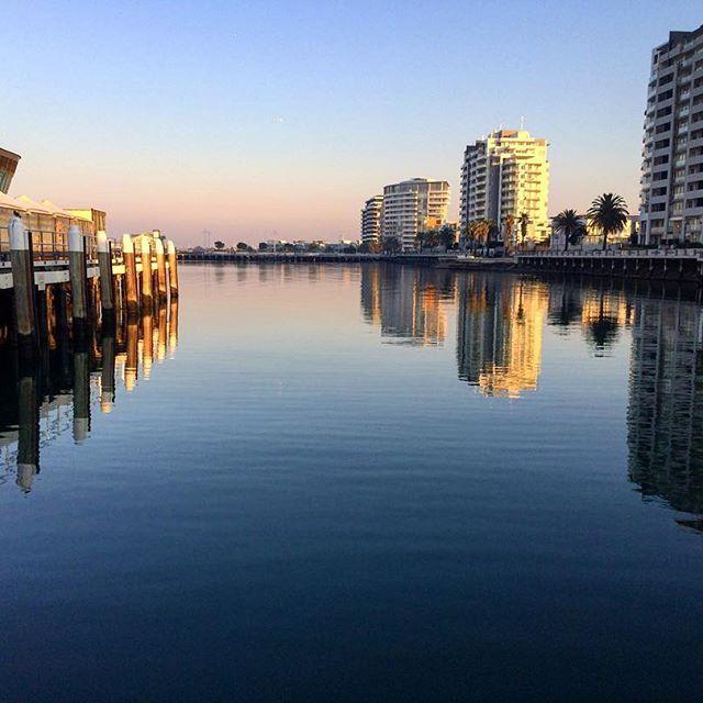 🇦🇺 Port Melbourne L💙VE  #earlymorning #sunrise #portmelbourne #calmwater #instacalm #port  #thatview #thatsmelbourne #thatglow #melbournelifelovetravel  #instagood #instamelbourne #thatview #beautiful #picturesque #landscape #scenery #magnifique #instaview #instatravel #instabeach #explore #live #enjoy #australia #throwback #beach #pier #melbourne #may #2017