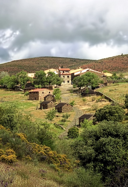 Garganta La Olla, Extremadura http://www.todoextremadura.com