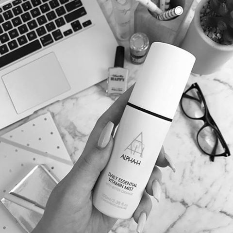 EDIT: COMPETITION NOW CLOSED! Winner announced Monday! • • Better get TAGGING beauties. We are giving you and your tagged buddy a chance to win a bottle of the NEW Daily Essential Vitamin Mist. You must both be following our account to be the lucky winner. Competition will close Friday 22nd of September. Enter as many times as you like. Winner chosen at random. #competition #win #dailyessentialvitaminmist @peplumandprosecco