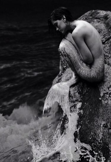 Kendall Jenner: Topless Mermaid on Instagram!