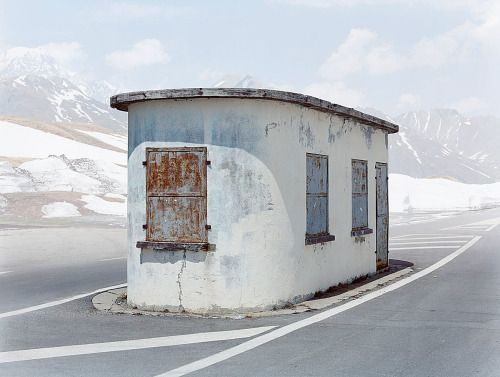 furtho:Abandoned border checkpoint from Josef Schulz's series...