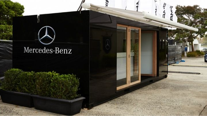 #MBStarLounge Mercedes-Benz Star Lounge - custom built registration suite. Slick black gloss exterior, bi-fold doors and lockable internal storage. Set up takes 15 minutes. #CustomCargo