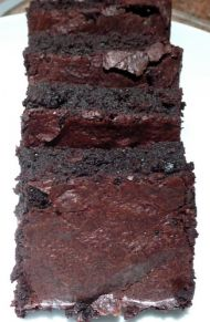 Low GI, gluten-free and sugar-free recipe for Black Bean Chocolate Brownies.