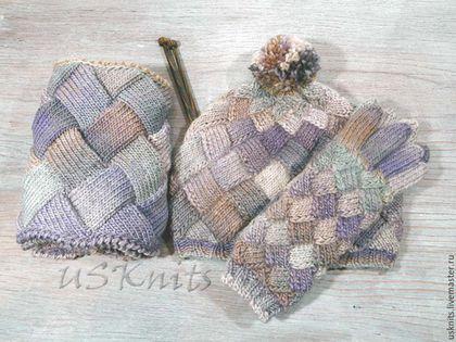 Вязаный комплект шарф-снуд, шапка (берет) и перчатки (митенки) из шерсти с акрилом в технике энтрелак (вязаный пэчворк). Вязаный комплект аксессуаров теплый, комфортный, слегка пушистый, не колючий.
