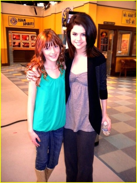 selena and bella thorne photos | selena-gomez-and-bella-thorne-gallery.jpg