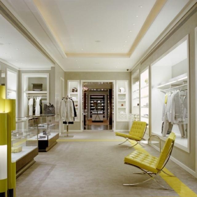 Barcelona  Chair + yellow