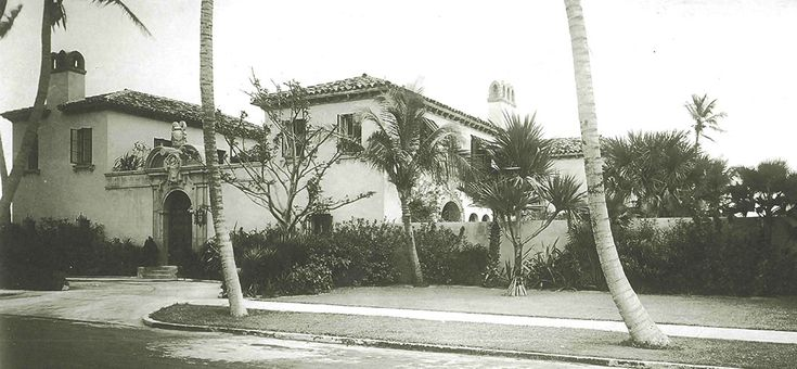 La Salona is an exclusive Mediterranean-style property designed between 1926 and 1929 by famous architechts Marion Sims Wyeth and Maurice Fatio.
