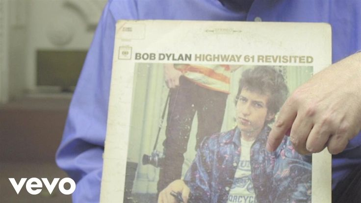"""Bob Dylan - The story of the """"Highway 61 Revisited"""" album cover"""