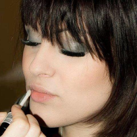 """Mi piace"": 21, commenti: 1 - Manuela Iannibelli (@manuelaiannibelli) su Instagram: ""Monica make up ...ricordi... #makeupartist #fondotinta #makeup #kryolan #parisberlin #bennye…"""