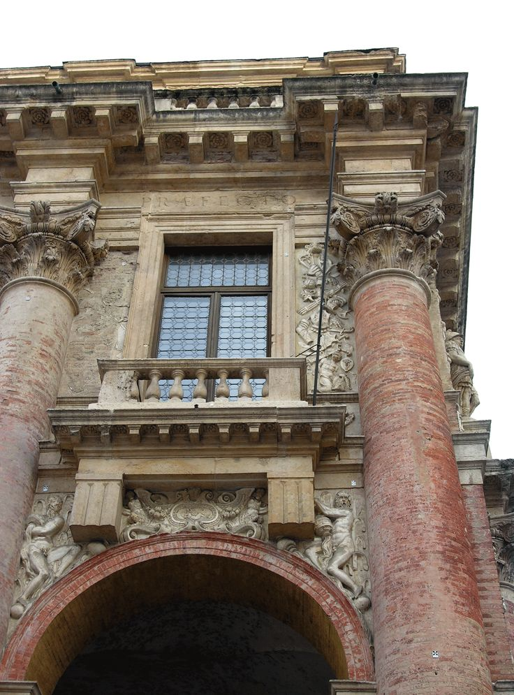 The Composite Order on the facade of the Palazzo del Capitaniato in Vicenza, designed by Palladio in 1565 and built between 1571 and 1572