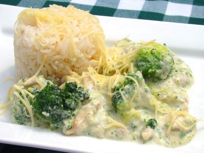 Sajtos, brokkolis csirke recept