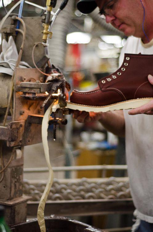 redwingshoesamsterdam:    Stitching the goodyear welt