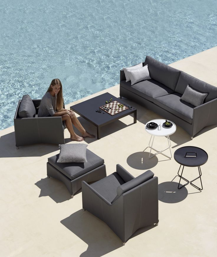 The Diamond garden lounge series is innovative, yet timeless in design. The materials used are maintenance free and ideal for outdoor garden furniture. Outdoor lounge, udendørs møbler