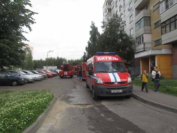 Гроза стала причиной четырех пожаров 17 августа в Витебской области, сообщает БелТА. Первое сообщение о пожаре в доме в ночь на 17 августа поступило в Браславский райотдел по чрезвычайным ситуациям из деревни Вайнюнцы. К счастью, в доме никто не проживал, спасател�