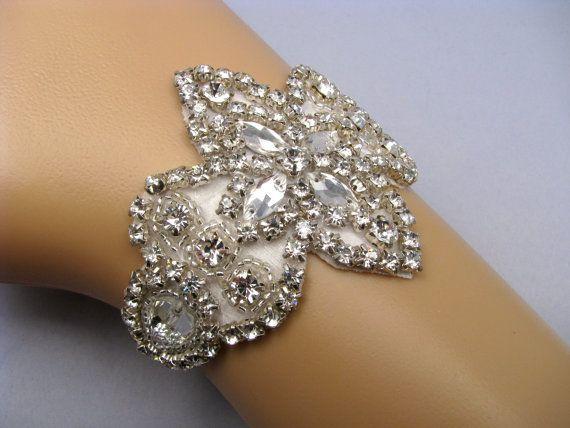 ラインス トーン ブライダル カフ水晶結婚式のブレスレット銀の花嫁の宝石類35 by LoveForeverBridal