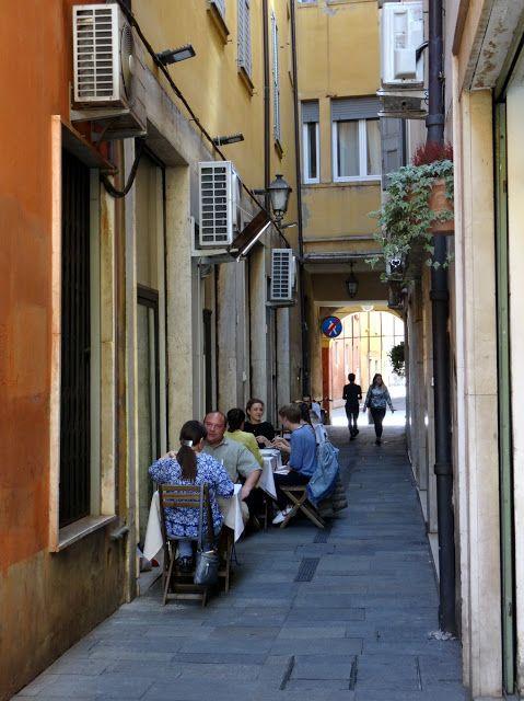 Bar Enoteca Ristretto on Vicolo Camillo Coccapani in Modena, Italy