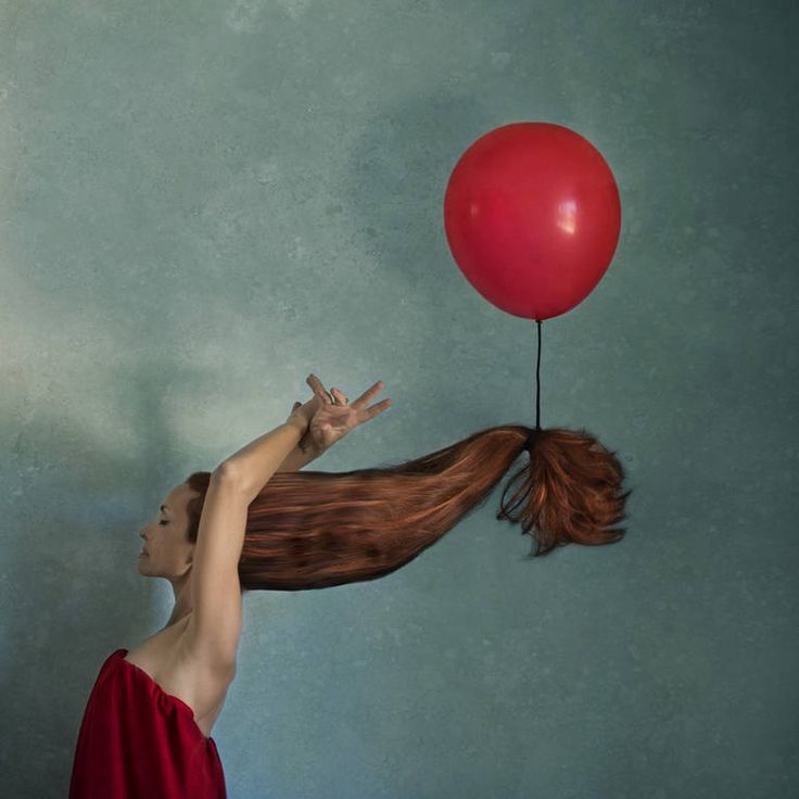 """""""Lift Me Up,"""" figurative photography by Alessandra Favetto 