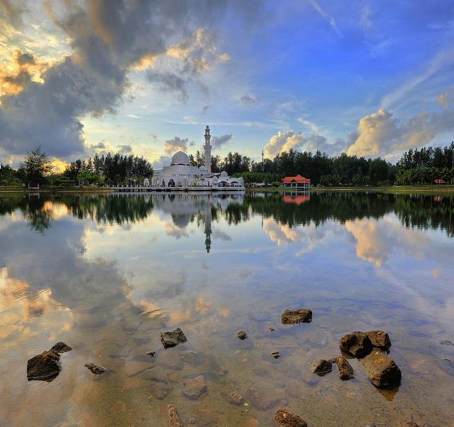 Masjid Tengku Tengah Zaharah, Kuala Terengganu   Flickr - Photo Sharing!