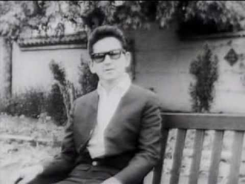 Roy Orbison - Oh Pretty Woman (Top of the Pops - 1964) - YouTube