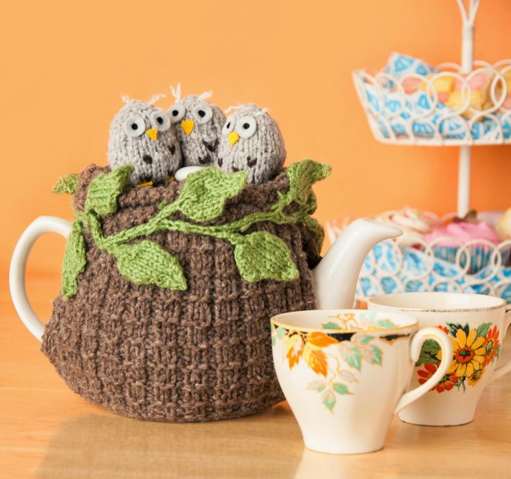 I've had a fab day taking over LoveKnittings instagram and pinterest accounts and just wanted to say thank you to everybody who's been following! I thought I'd end on a woodland note with my owl tea cosy project! Louise x