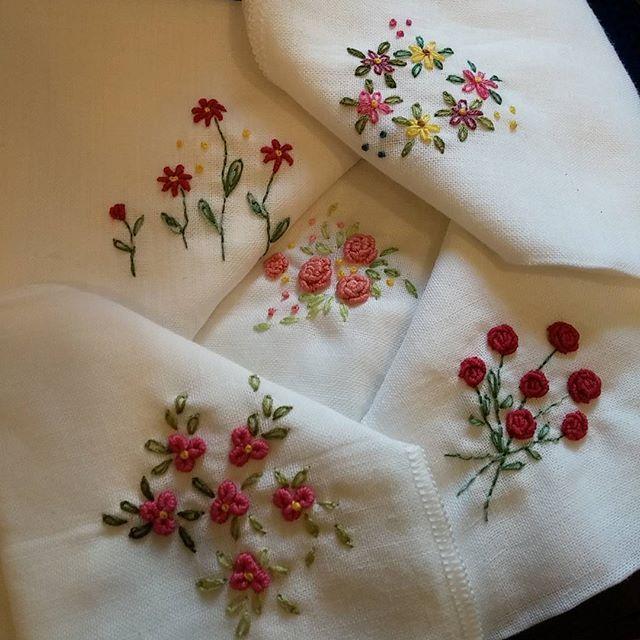 #Embroidery#stitch#needlework#handkerchief #프랑스자수#일산프랑스자수#자수 #자수손수건 #한장 두장 만드는재미~