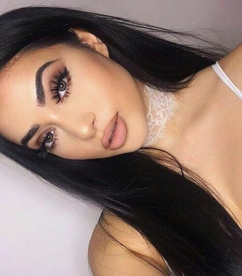 Nude Lipstick and defined eyebrows