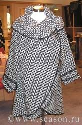 circular cape/cocoon coat with patterns